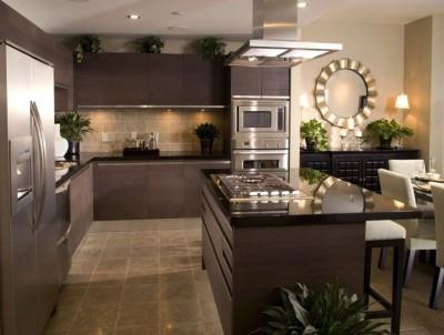 Jak urządzić nowocześnie salon połączony z kuchnią i jadalnią?