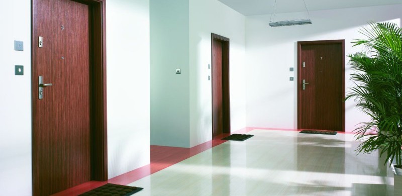 Drzwi wewnątrzklatkowe, antywłamaniowe - jakie wybrać?